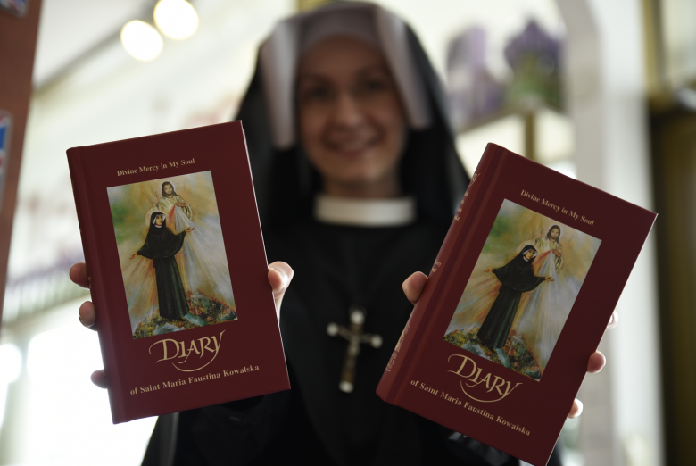 Diary of St. Faustina - The Sisters of Our Lady of Mercy